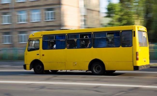 Громадський транспорт у Рівному курсуватиме довше