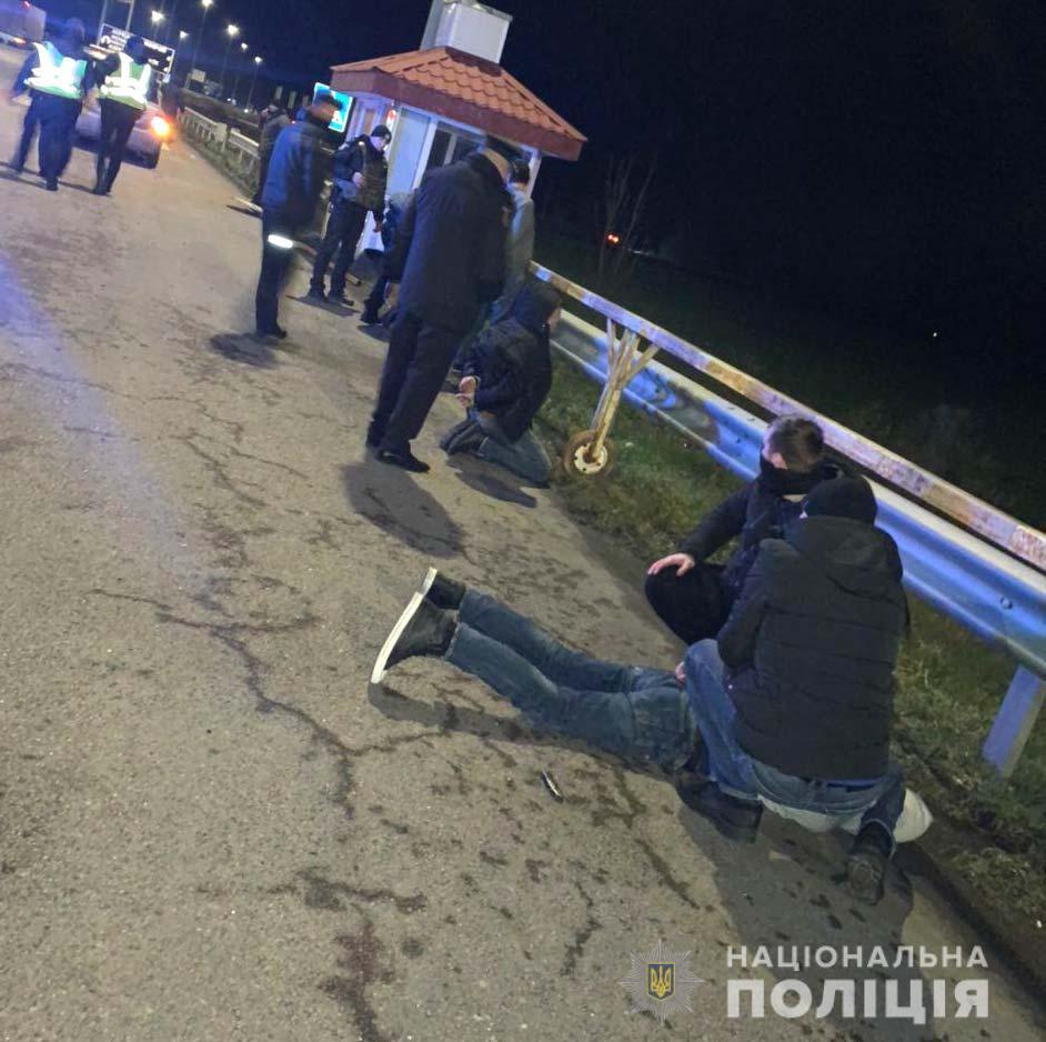 Затриманих на Рівненщині квартирних злодіїв-іноземців помістили під варту