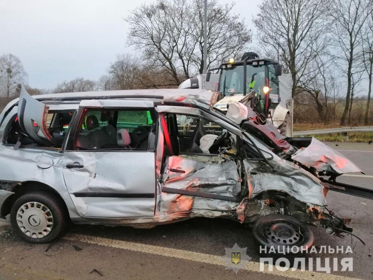 """Поліція розслідує ДТП із трьома потерпілими на трасі """"Київ-Чоп"""""""