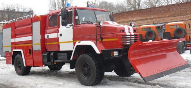 На Рівненщині пожежна автоцистерна доправляла маму з хворою дитиною до лікарні