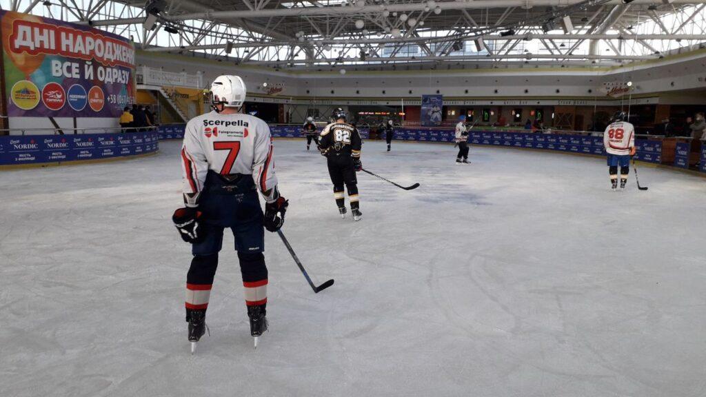 Перший Кубок Рівненщини з хокею здобула команда зі Славути